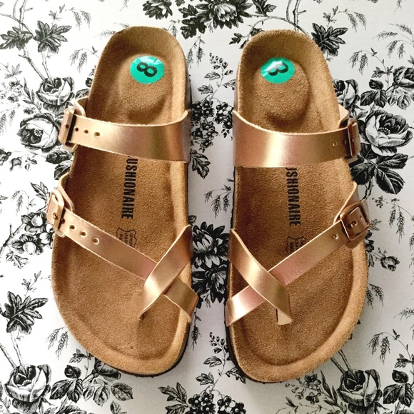 cec32fd0f4ee Cushionaire Shoes - Cushionaire Luna in Gold NWOB